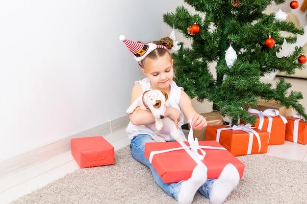 クリスマス、ペット、休日のコンセプト
