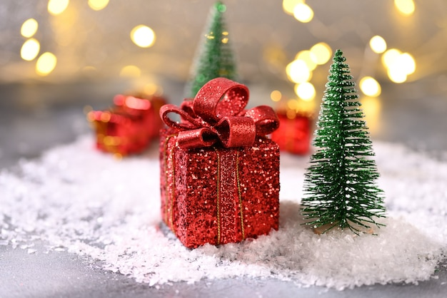 크리스마스 트리에 크리스마스 선물