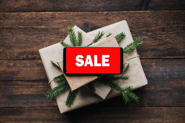 クリスマスセールクリスマスオンラインショッピング冬休みセールブラックフライデー携帯電話赤い画面