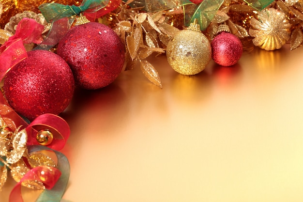 Рождественские граница с шарами