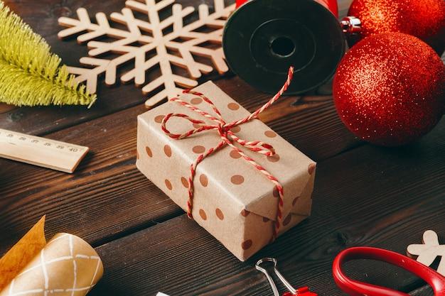 Рождественский сезон аксессуары для подготовки к празднику вид сверху