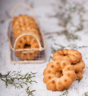 Christmas shortbread cookie rings.