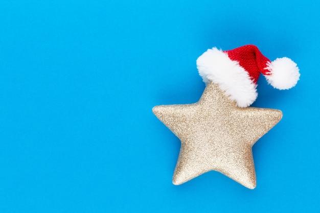 Рождественская звезда, декор на пастельных тонах. рождество или новый год минимальная концепция.