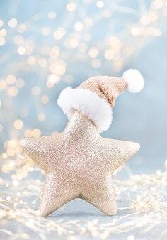 Рождественские звезды на фоне боке.