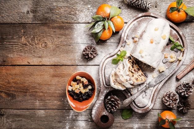 Рождественский столлен традиционный немецкий европейский праздничный десерт