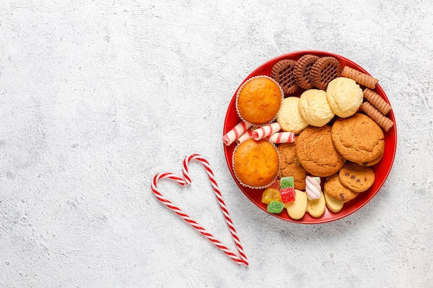Christmas sweets platter. Free Photo