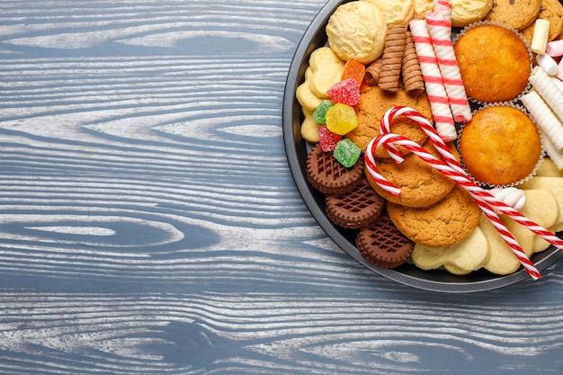 クリスマスのお菓子の盛り合わせ。