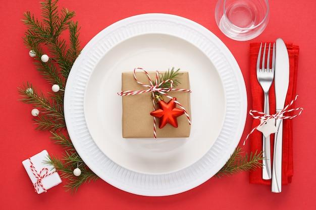 레드에 크리스마스 테이블 설정