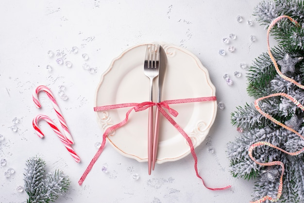 Christmas table setting and pink decor