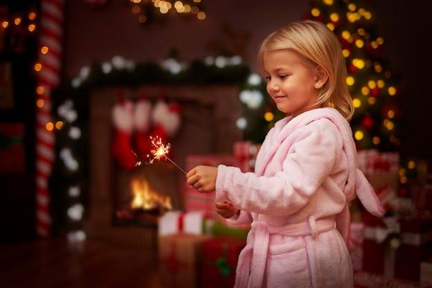 Рождество полно искр