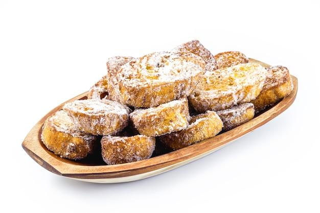 砂糖とシナモンで覆われたクリスマストースト、ブラジルとスペインの典型的なクリスマス料理