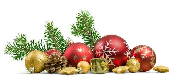화이트 절연 전나무 나뭇가지에 크리스마스 장난감