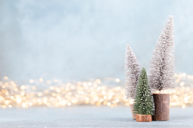Christmas tree on bokeh background. christmas holiday celebration concept. greeting card.