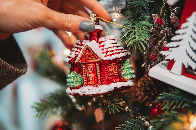 おもちゃのクリスマスツリーブランチ