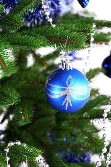 クリスマスツリーのクローズアップ