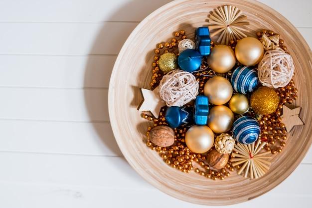Елочный декор, золотые и синие зимние украшения
