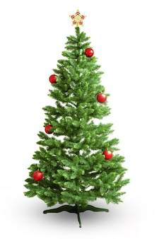 白い背景で隔離のクリスマスの装飾で飾られたクリスマスツリー