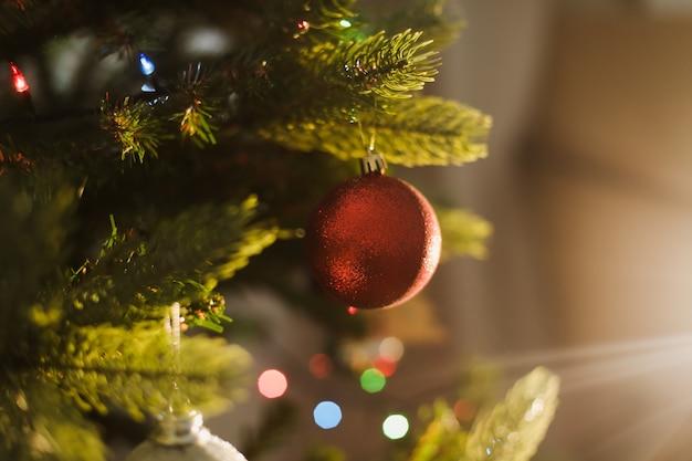 크리스마스 트리 장식 새 해 휴일 배경 축제 개념