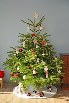 유럽 스타일의 크리스마스 트리