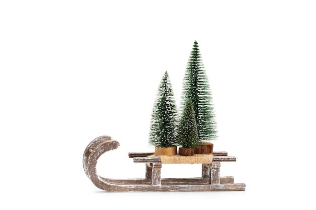 Рождественская елка, изолированные на белом фоне