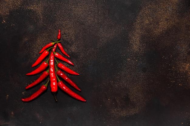 レッドホットチリペッパーから作られたクリスマスツリー