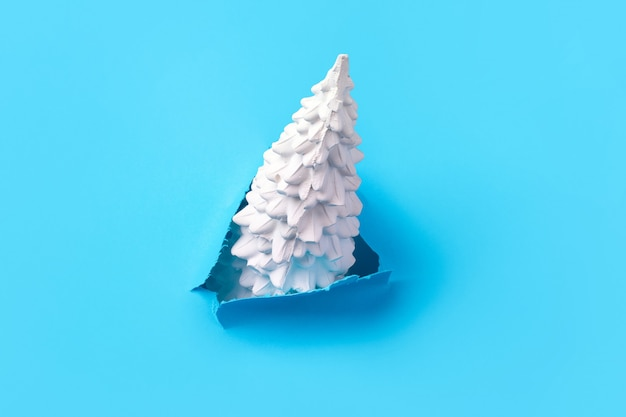 青、シンプルなコンセプトのクリスマスツリー