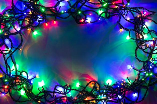 Рождество с огнями и свободным пространством для текста.