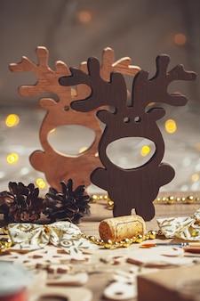 Новогоднее деревянное украшение, рождественский олень и снежинки