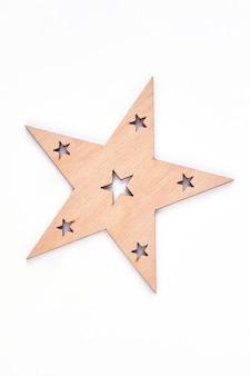 クリスマスの木製の装飾の星。
