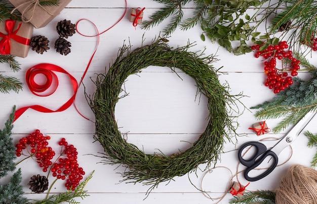 ブルーベリーの枝のクリスマスリース