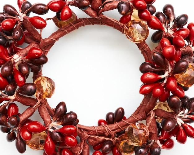 赤い果実のクリスマスリース