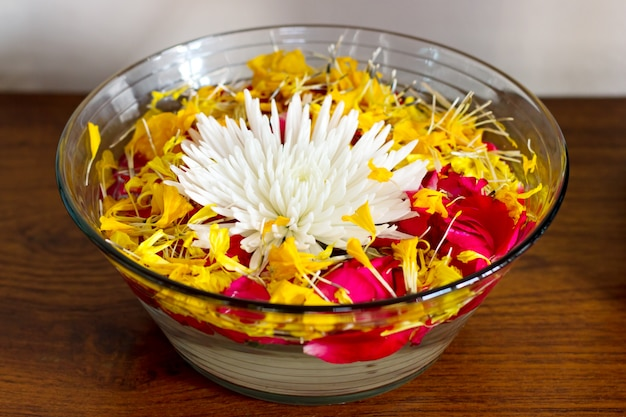 Chrysanthemum with petals in a vase with water