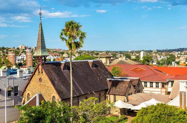 シドニーのノースショアにあるキリビリの橋のそばの教会