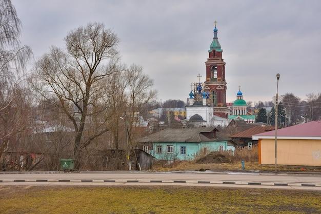 Церковь покрова пресвятой богородицы в юрьев-польском, храмовый комплекс