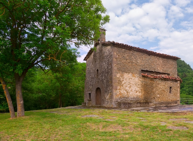 Церковь санта-магдалена в бесалу