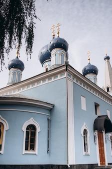 Церковь успения пресвятой богородицы голубой