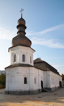 「mykhailiv'skyjsobor」(キリスト教正教会)の領土にある教会。キエフ-ウクライナの市内中心部。