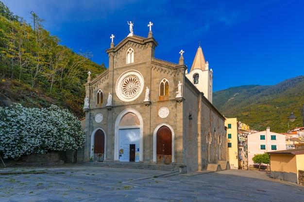 Церковь сан джованни баттиста, риомаджоре, италия
