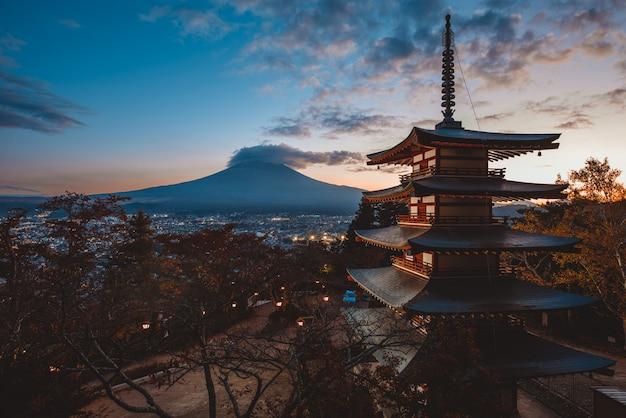 Chureito pagoda at fuji mountain. beautiful japanese landmarks and landscapes
