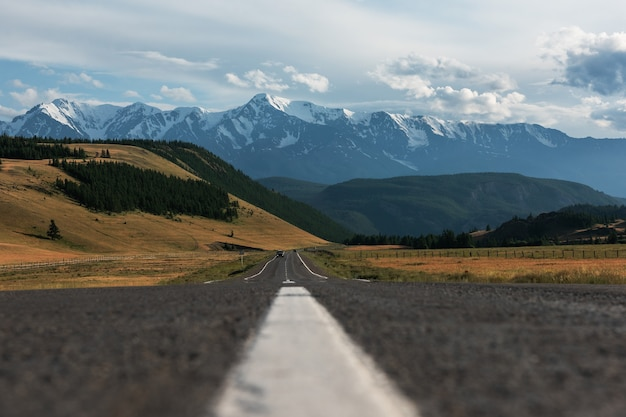 Chuysky trakt road in the altai mountains one of the most beautiful road in the world