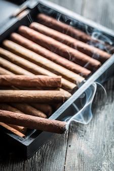 Сигара и коньяк