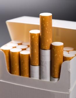 パックのタバコ