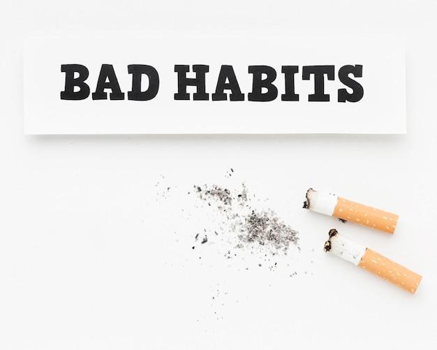 Sigarette con messaggio di cattiva abitudine