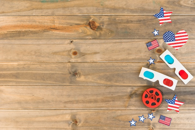 Articoli cinematografici con bandiere americane