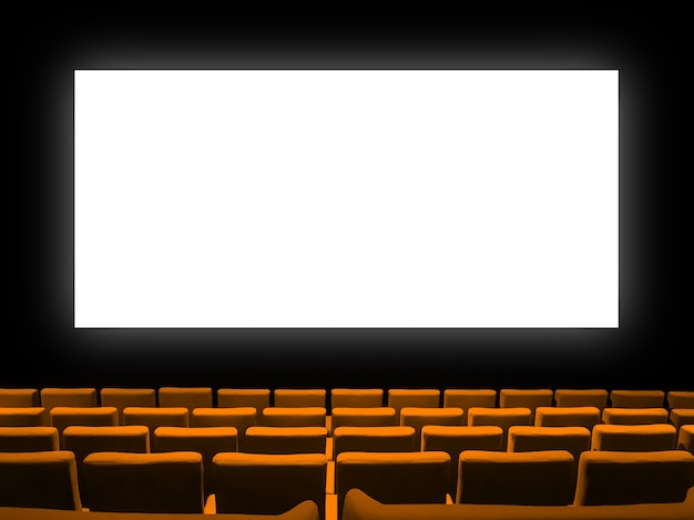Кинотеатр кинотеатр с оранжевыми бархатными сиденьями и пустым белым экраном. скопируйте космический фон