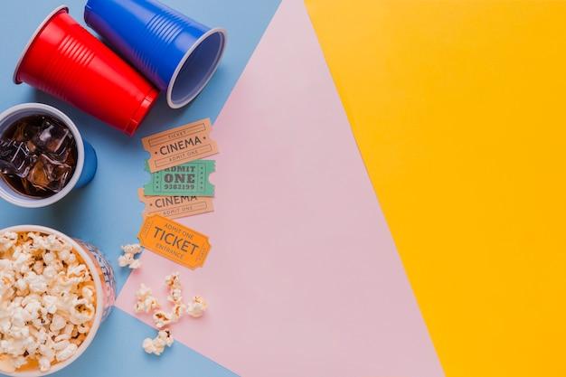 Билеты в кино с попкорном и напитками
