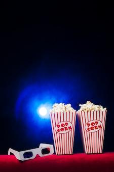 Кинотеатр с коробкой для попкорна и 3d очками