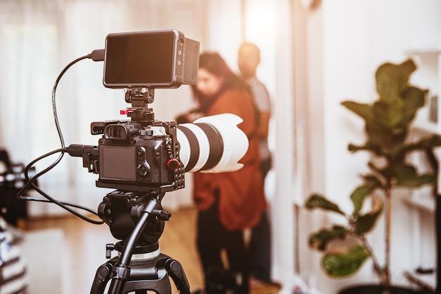 シネマトグラフィミラーレスデジタルカメラ機器のセットアップ
