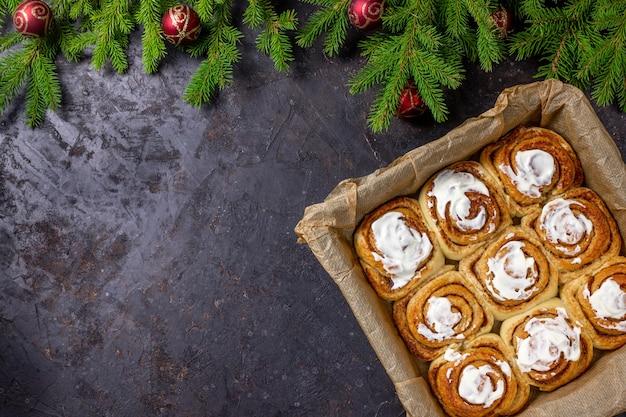 Булочки с корицей или циннабон на рождество