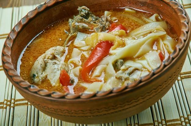Чорба де пуи - румынский куриный суп